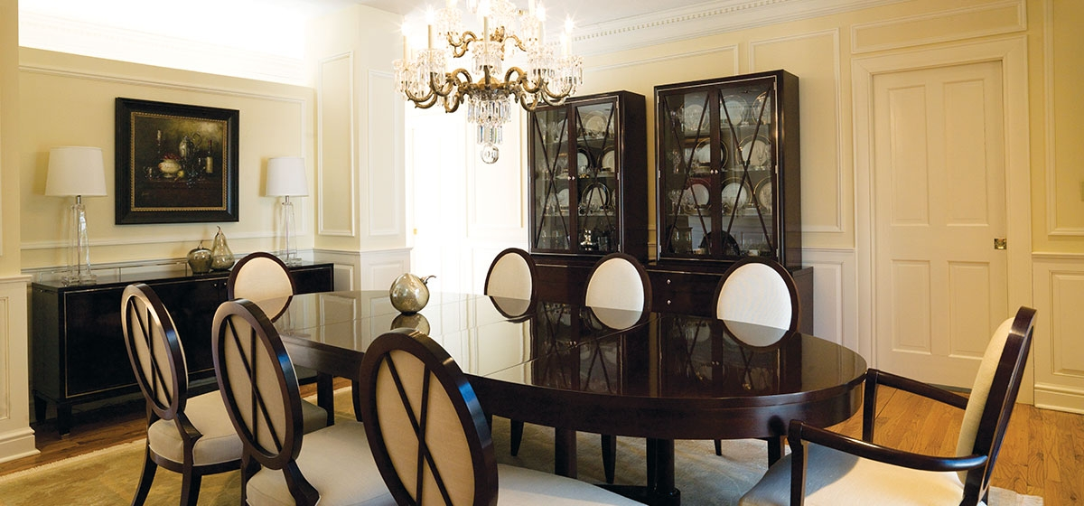 Photographs By Roy Englebrecht Designer Neill Stouffer Chose Dining Room Furnishings Barbara Barry For Baker With Chairs Upholstered