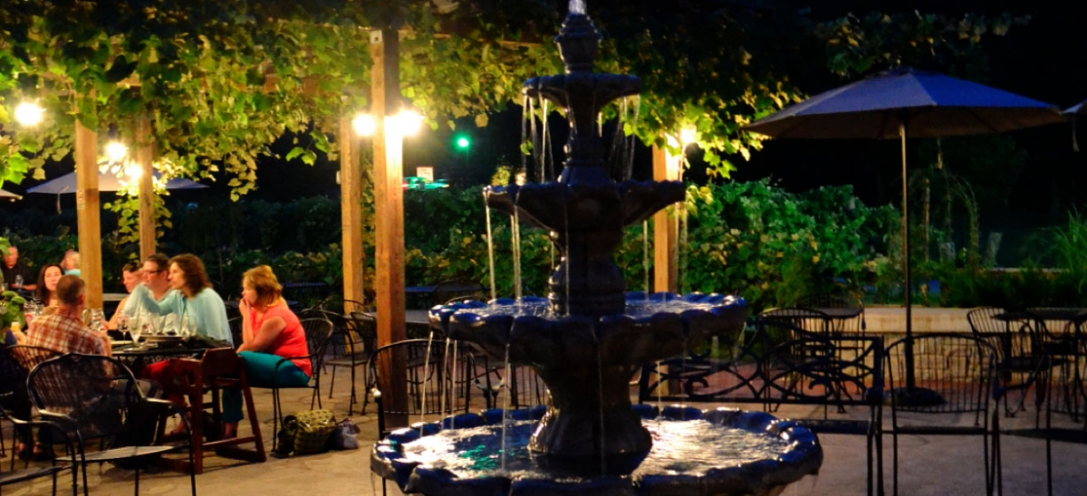 Visitors to Narcisi Winery can enjoy wine or dinner alfresco on the patio.