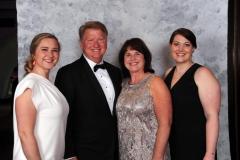 CLOE-Award-Winners-Bill-Sandy-Lambert-with-daughters-Kelly-Emily